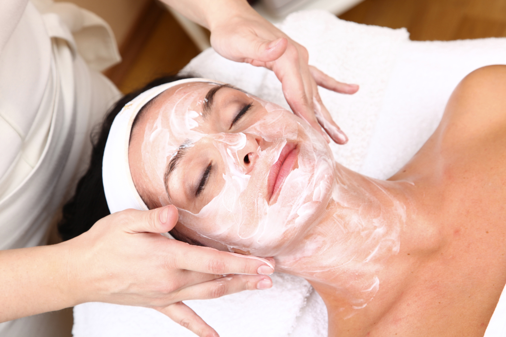 Lady receiving a facial