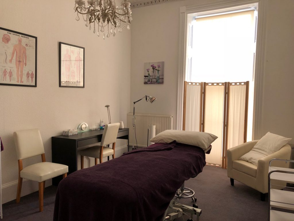 Large treatment room to rent in Cheltenham, Gloucestershire